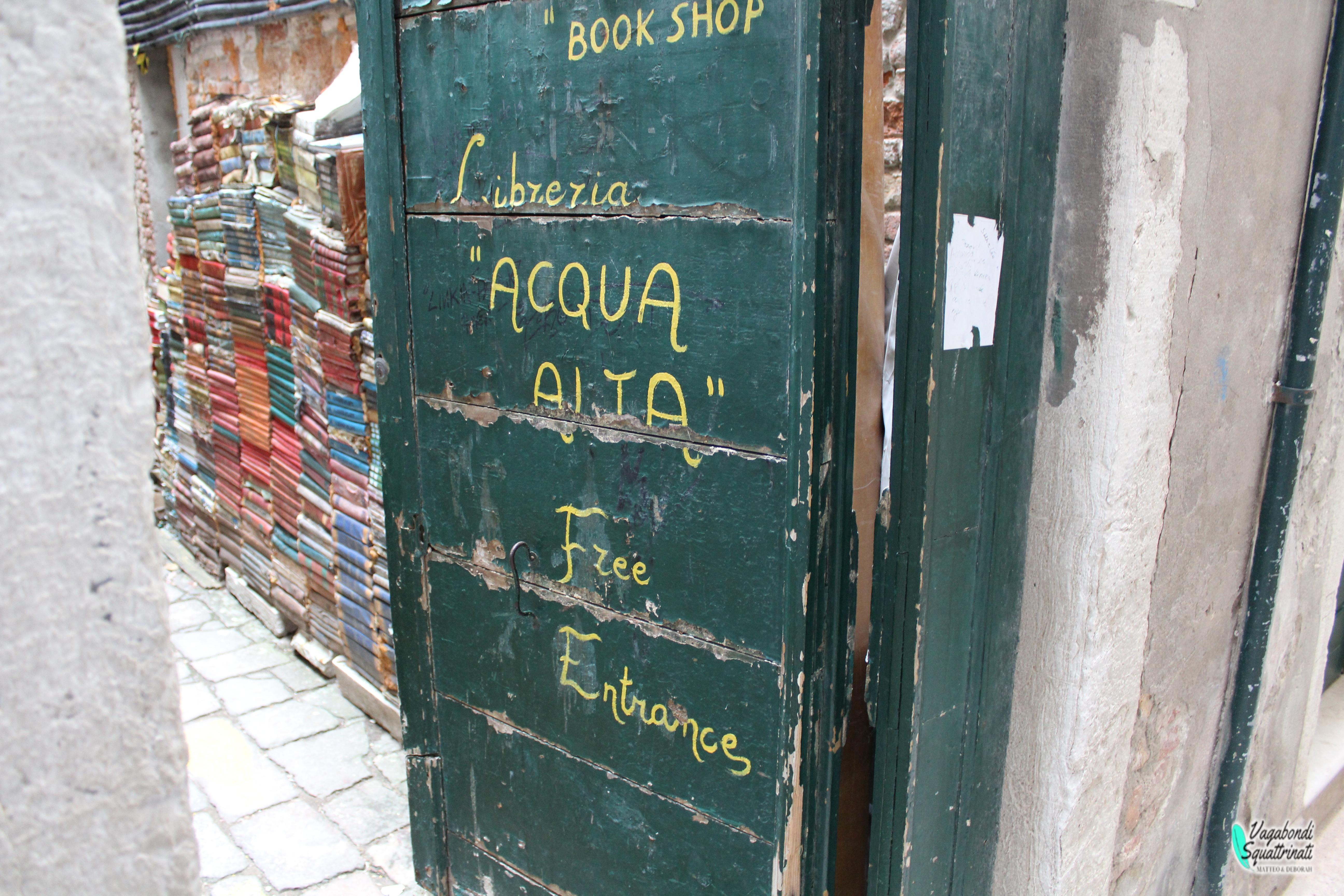 Libreria Acqua Alta a Venezia: una delle più belle al mondo