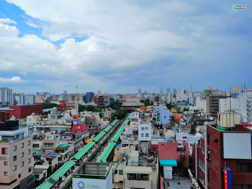 nakamise dori dall'alto diario di viaggio a tokyo