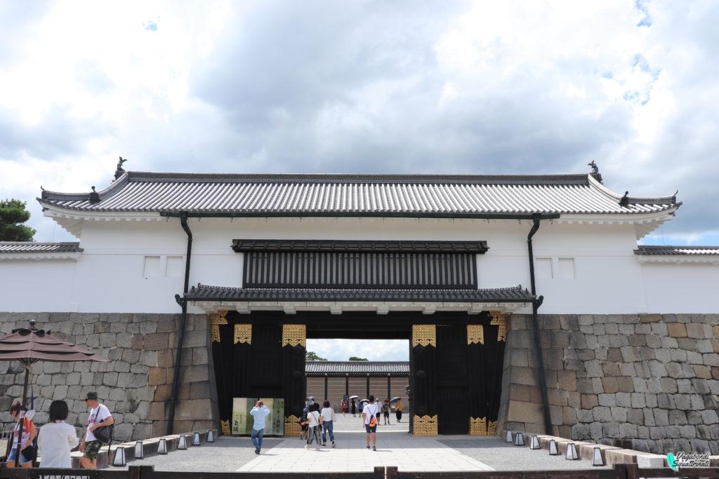 Visitare castello nijo ingresso