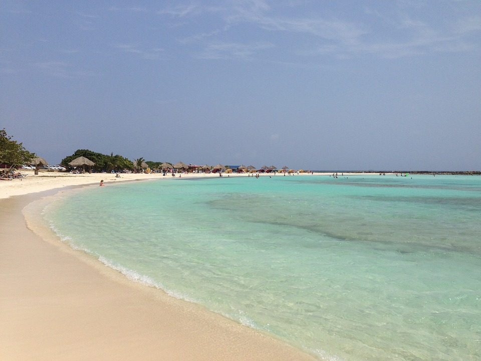 Vinci un viaggio ad Aruba gratis