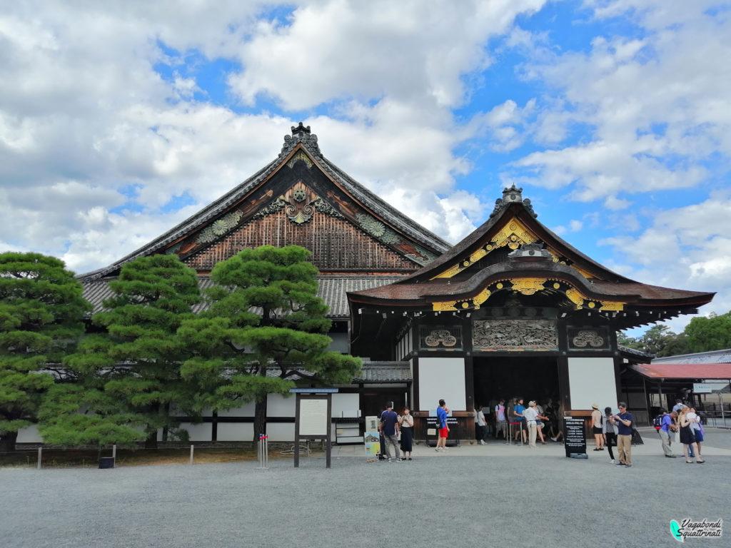 visitare il castello nijo porta Kurumayose