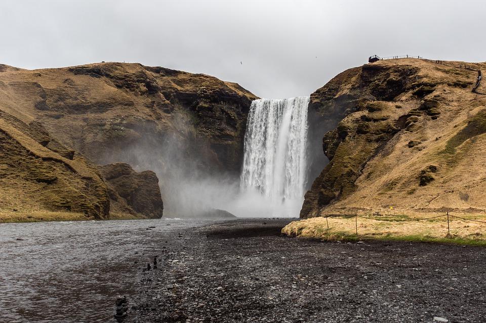 Vinci un viaggio in Islanda gratis