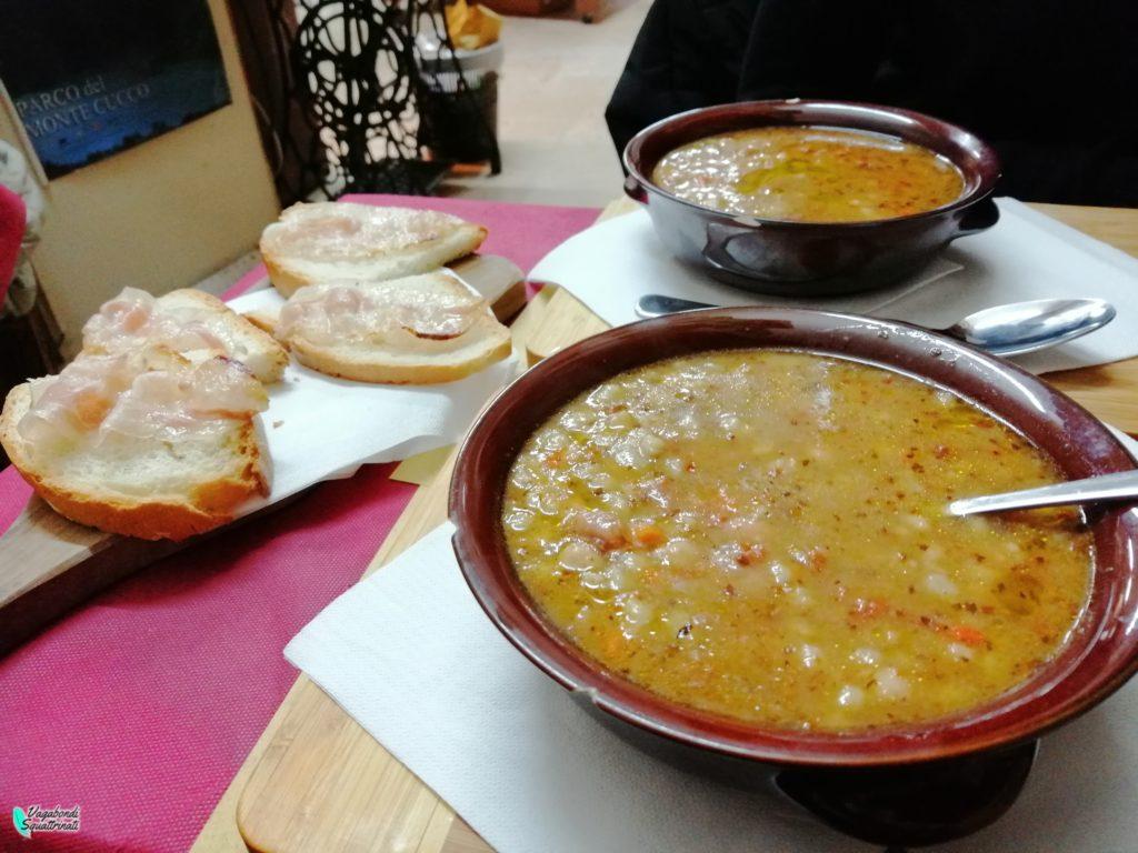 zuppa di legumi umbria