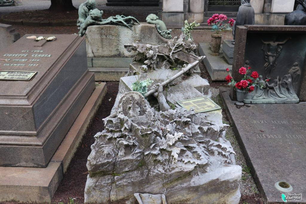 tomba cimitero