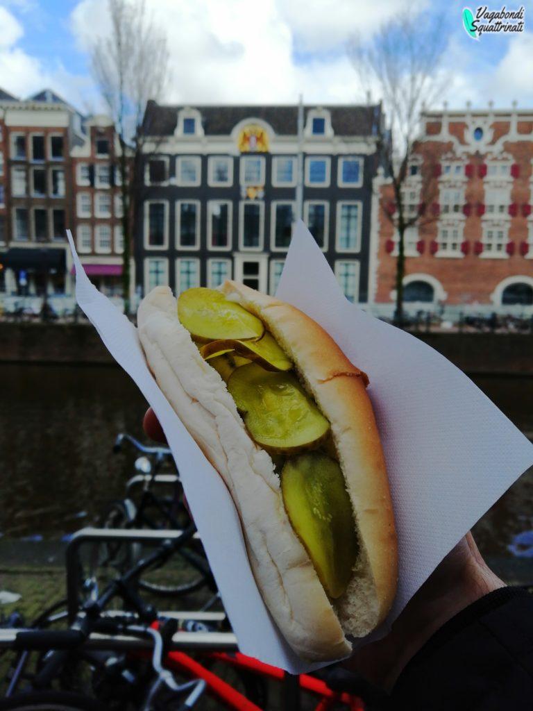 dove mangiare ad amsterdam panino aringa frens haringhandel