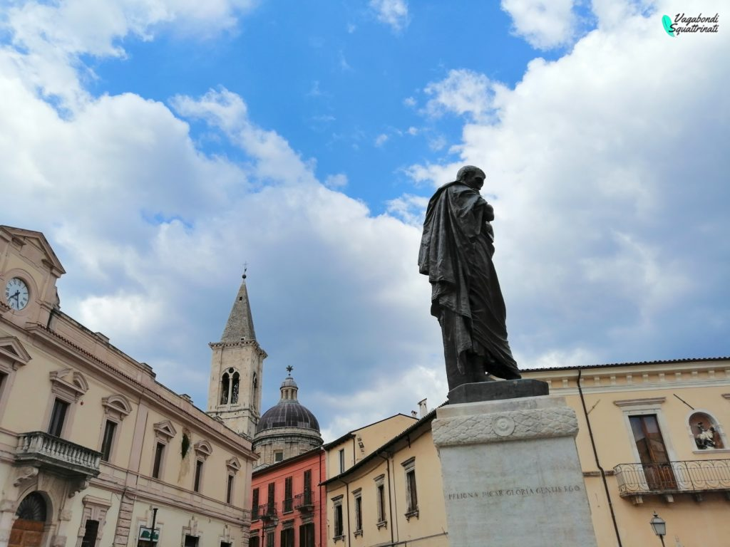 statua Ovidio Sulmona